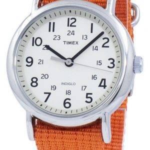 Feuillet de Timex Weekender Thru Indiglo Quartz T2N745 montre unisexe